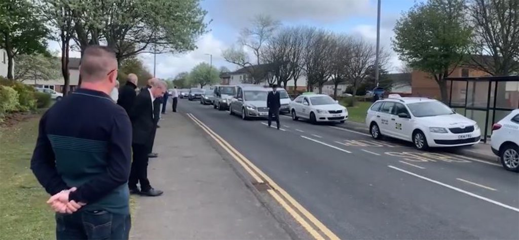 Convoy of taxi drivers turn out to pay thir final respects to a Peterlee cabbie that died of COVID-19